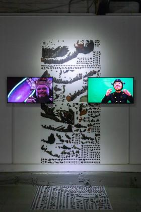 I am invincible...on the screen/ False motion tracking 2019/2020 Lau Wai