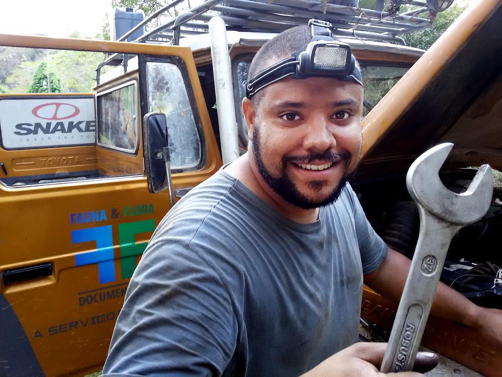 Preparando a Toyota Bandeirante Lobo Guará 4x4 para mais uma grande Expedição - Foto: Edlayne de Paula