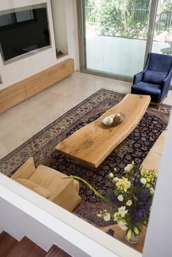 שולחן סלון אורגני מעץ מלא