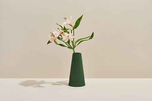 ohleaf x lú -Drape Vase (Pine Green)