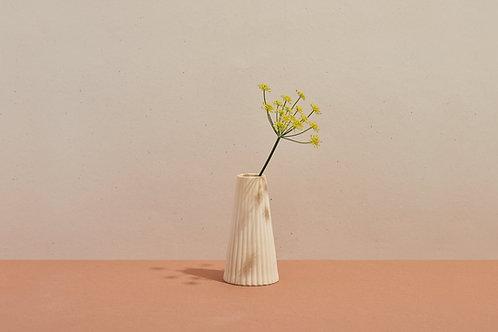 ohleaf x lú -Drape Vase (Chamomile)