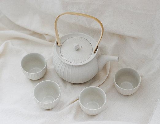 Pleated Matt Clay Tea Set for 4