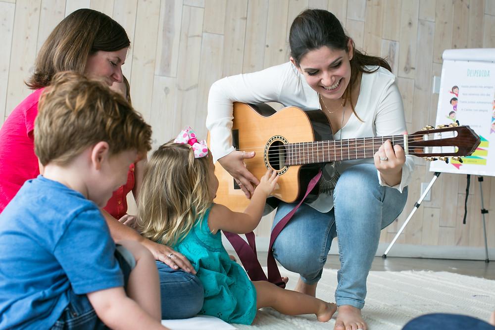 Music teacher Laura Bruce of Mi Casa Es Tu Casa