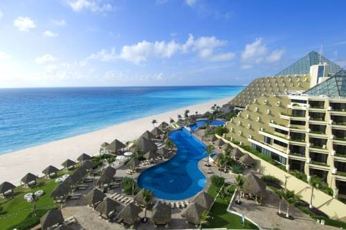 Paradisus Cancun, site of the Dual Language Family 2019 Spanish immersion camp.