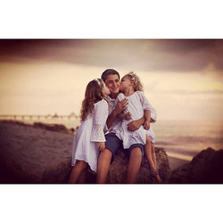 Loving the beach and and these siblings  #picoftheday #boca #bocaraton #miami #southflorida #bestoft