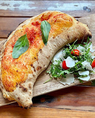 pizza calzone gustino pizza.jpg