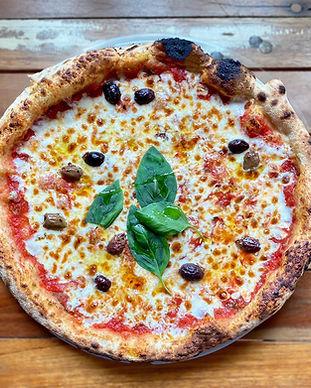 margarita gustino pizza.jpg