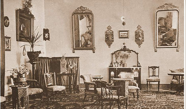 Hotel Cecil salon.JPG