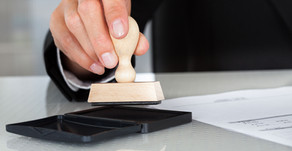 What is the difference between a notary and a signing agent?