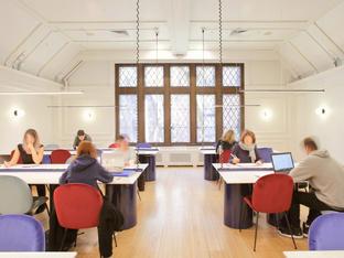 The Library | La bibliothèque