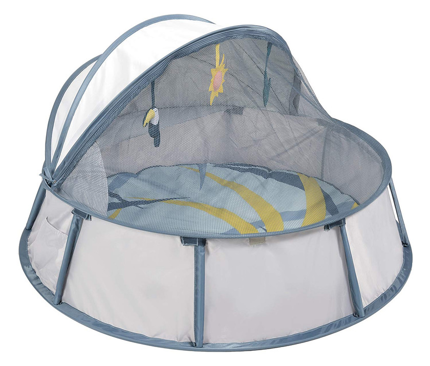 Outdoor portable play tent