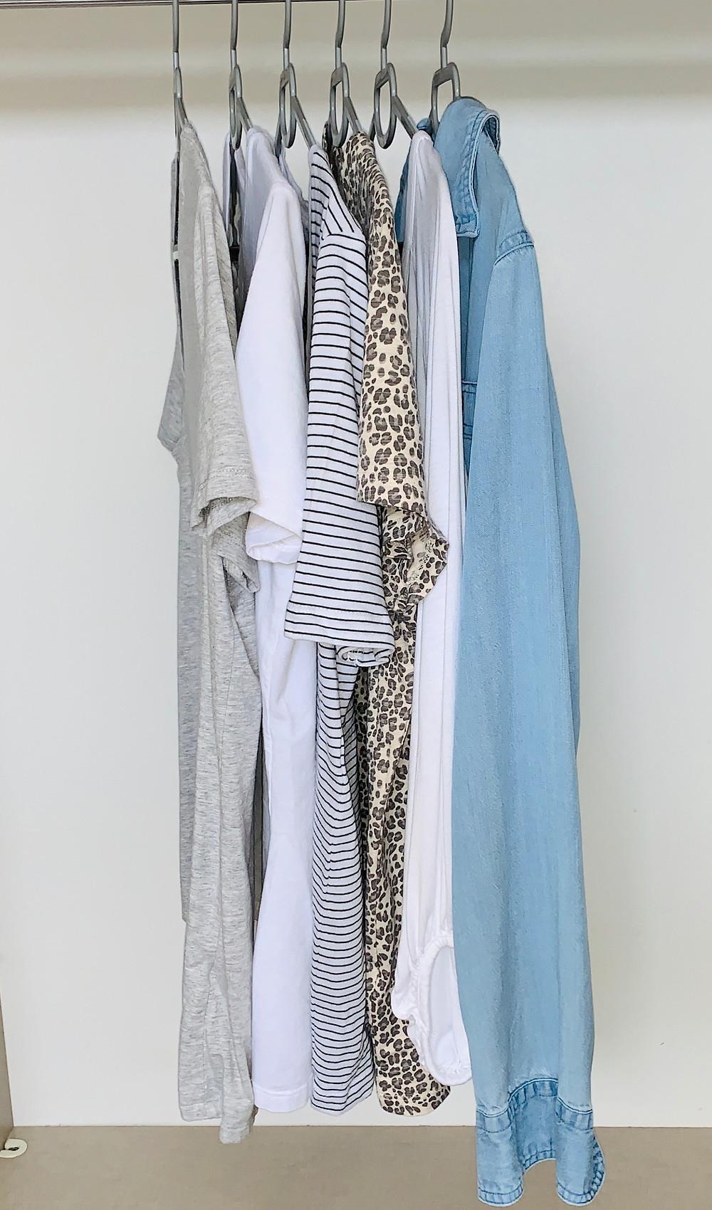 חולצת ג'ינס, חולצה לבנה, טי מנומרת, פסים, לבנה ואפורה