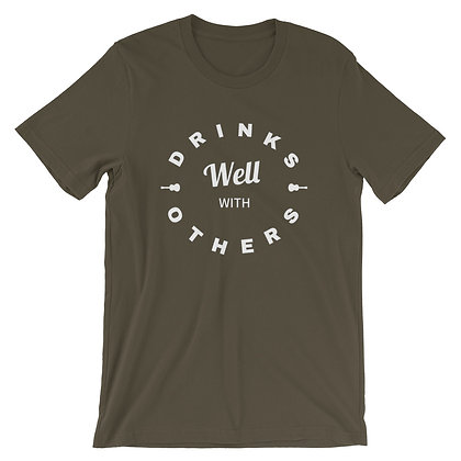 """""""Drinks Well With Others"""" T-Shirt Army"""
