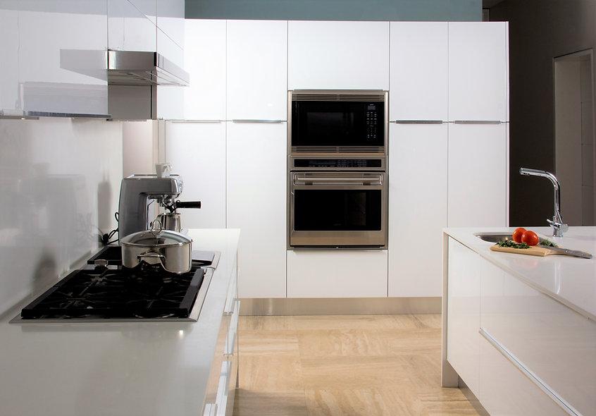 Imagen que muestre todo el modelo de cocina desde un angulo frontal