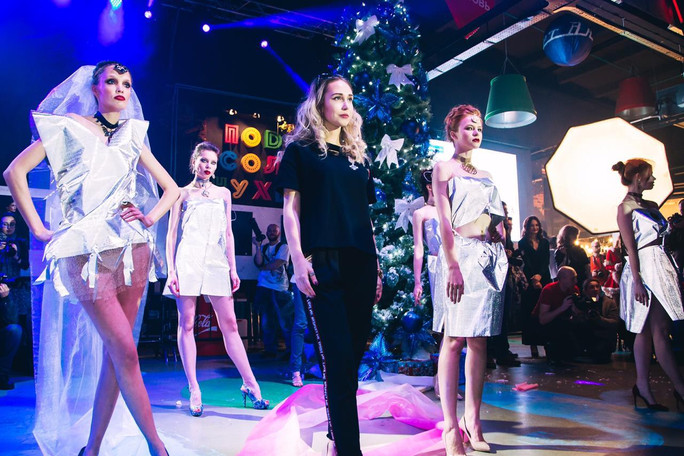 ANNA SKOROKHODOVA ACCESSORIZE FASHION SHOW в ПОДСОЛНУХАХ