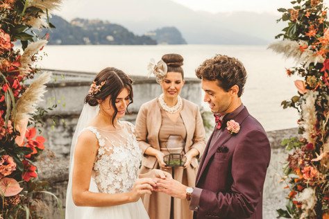 Dreamy styled shoot in Lake Como