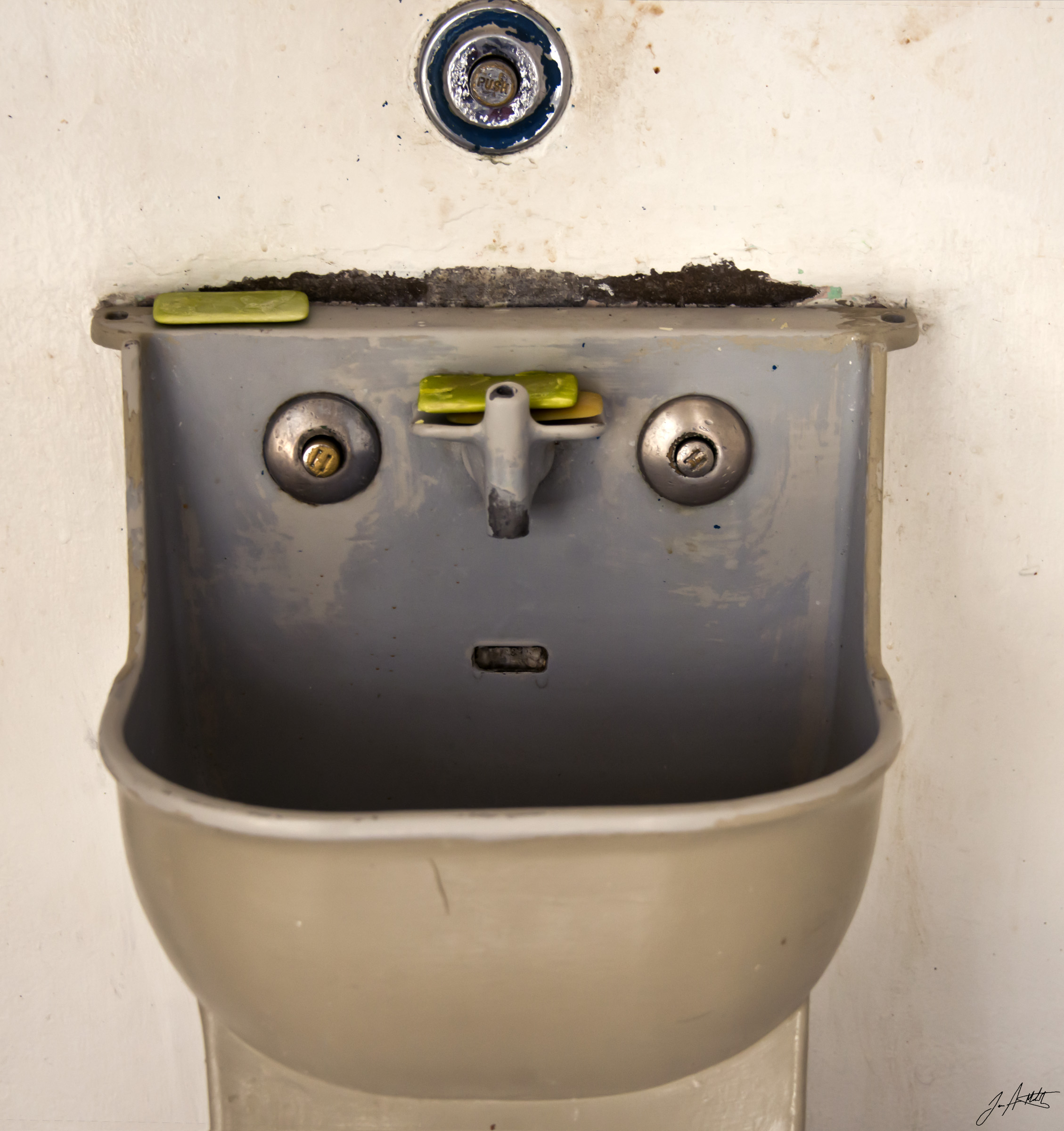 Day83_Sink Face Is Watching_March24