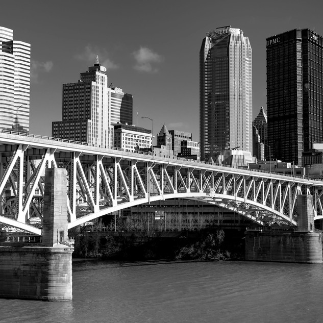 Liberty BridgeBW1_small.jpg