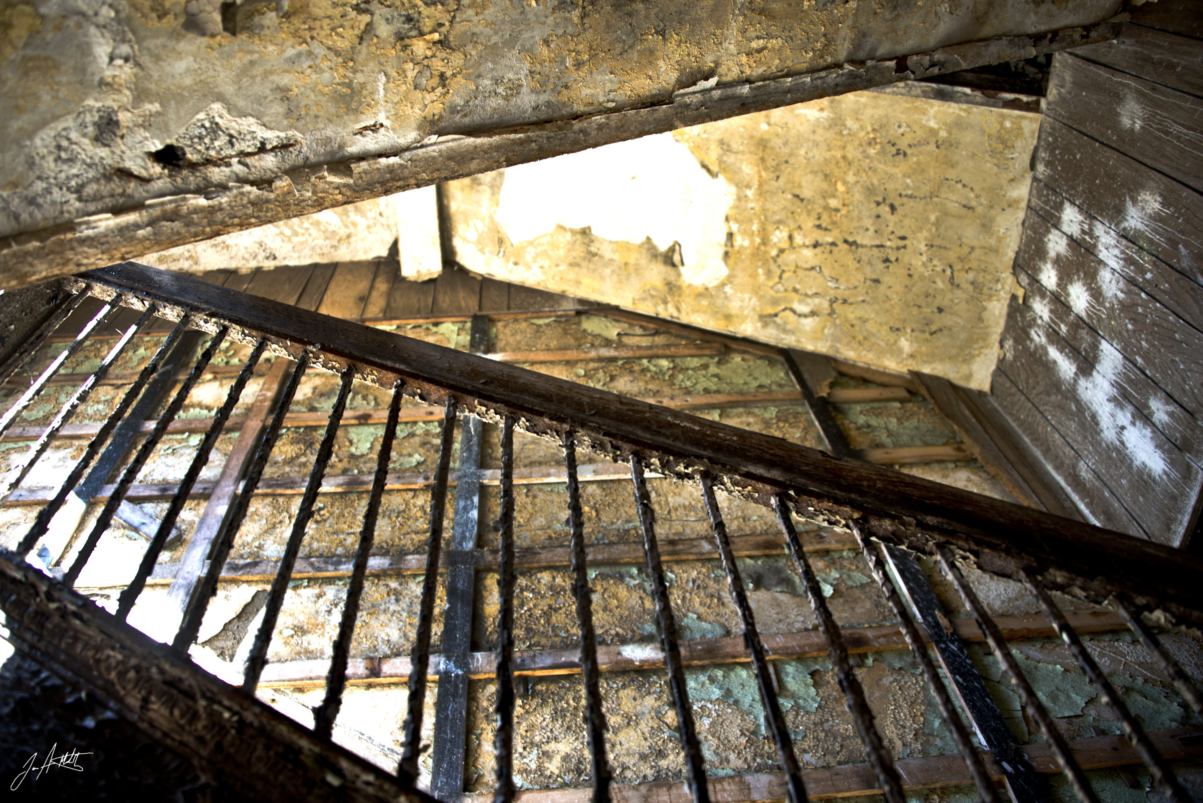 Day 107_Stairwell Decay_April 17