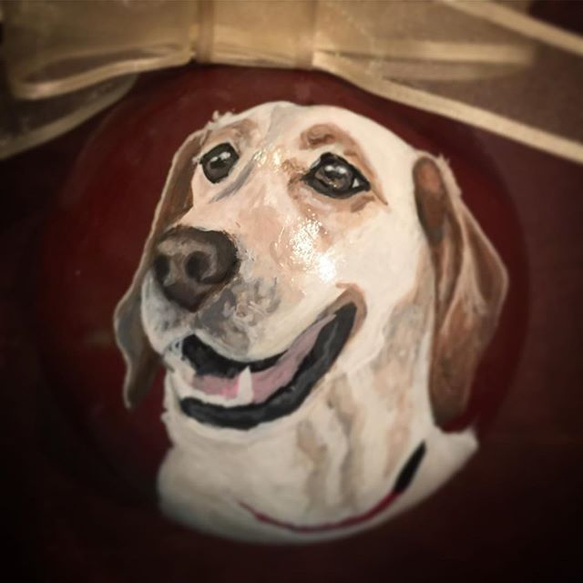 Handpainted Christmas ornaments #labsofinstagram #labradore #dogsofinstgram So I've been battling a