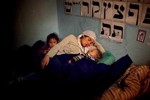 Shira mette a dormire i piccoli