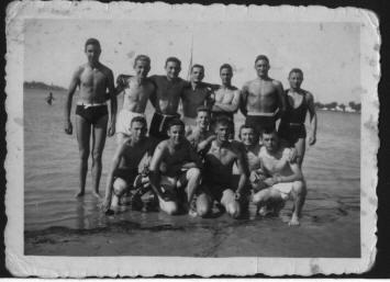 Taranto probabilmente estate 1943.jpg