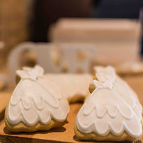 Wedding Dress Cookie Favours_edited.jpg