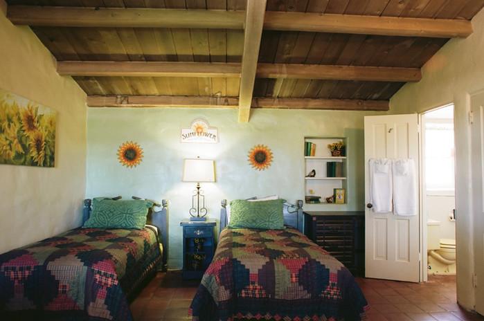 Sunflower Room 2.jpg