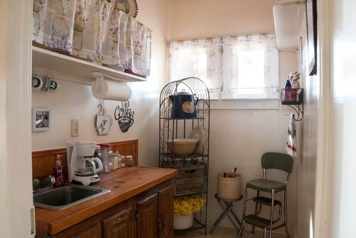 Patio Suite Kitchenette (Medium)_edited.jpg
