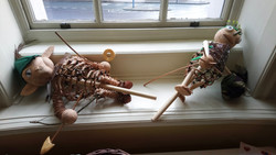 Resting puppets