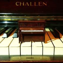 1:25 PIANO ON FULL SIZE PIANO