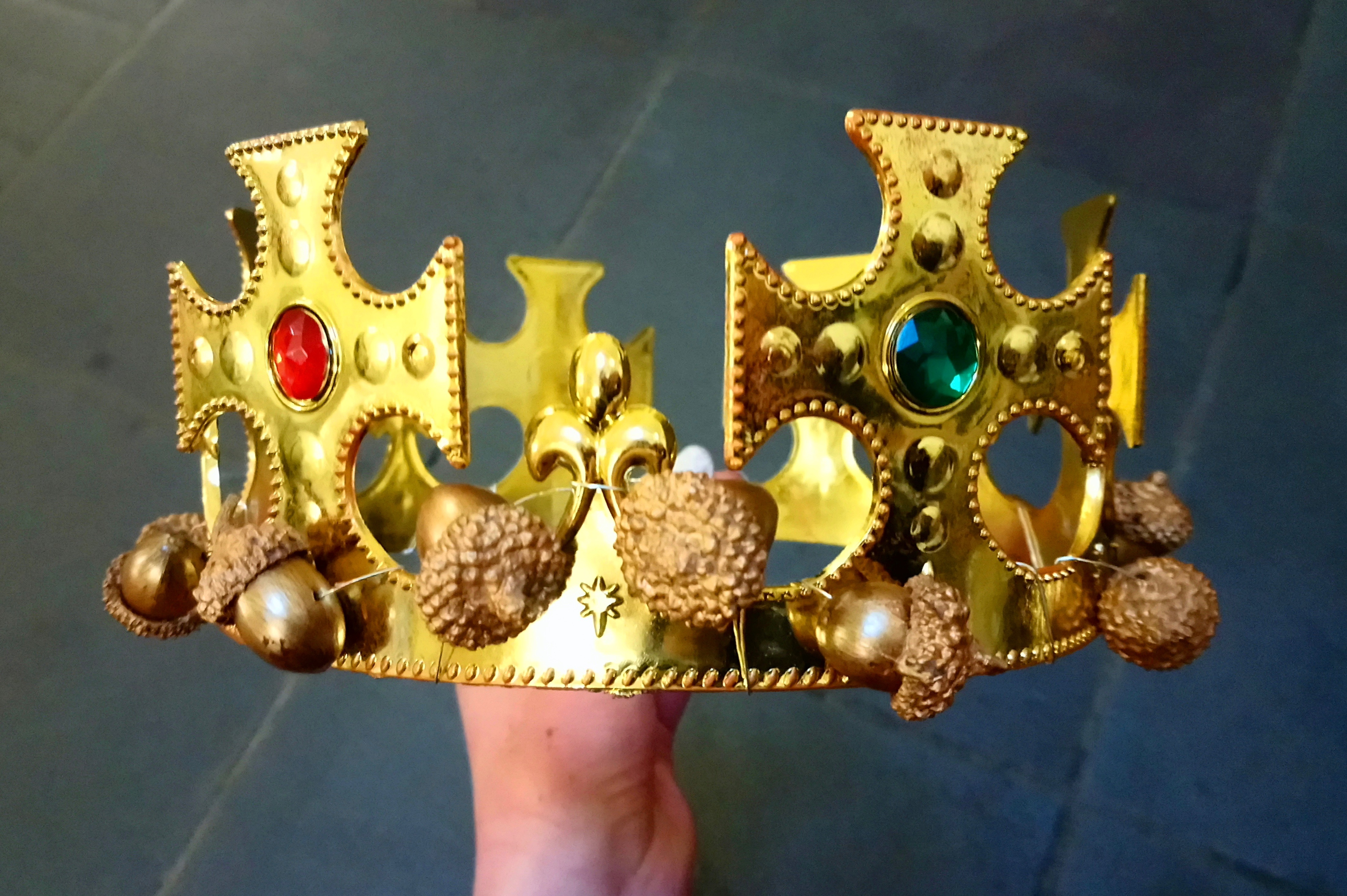 Customised crown