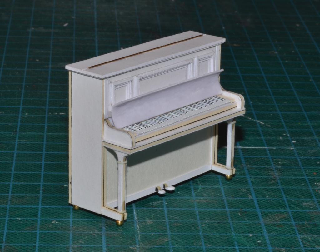 1:25 UPRIGHT PIANO