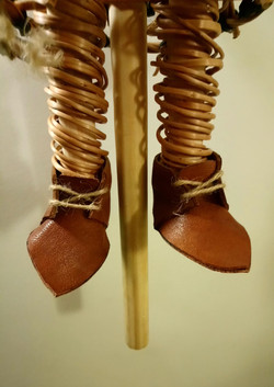 Robin Hood's legs and shoes.