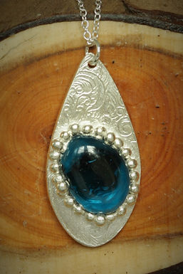 3316 - Large teardrop and turquoise glass cabochon