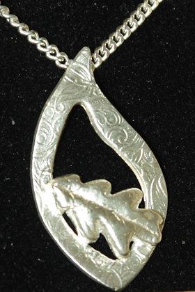 3039 - Oak leaf on ring