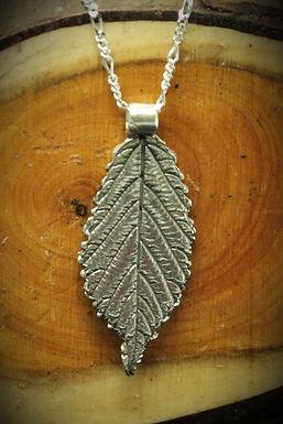 3957 - Narrow Bramble leaf