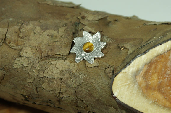 5616 - Spiral star with Tiger's Eye cabochon