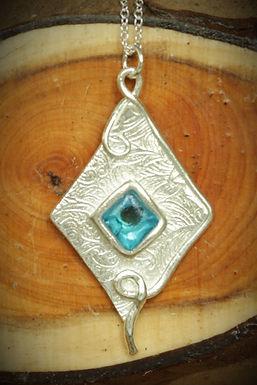 3312 - Turquoise diamond shape glass on silver