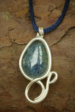 3083 - Blue teardrop glass with silver surround