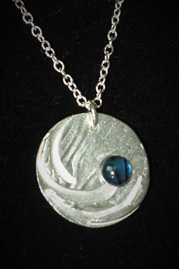 3025 - Circle with blue cabochon