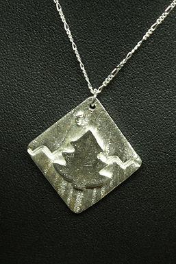 4563 - Christmas tree with moon
