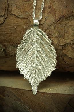 3374 - Medium Bramble leaf