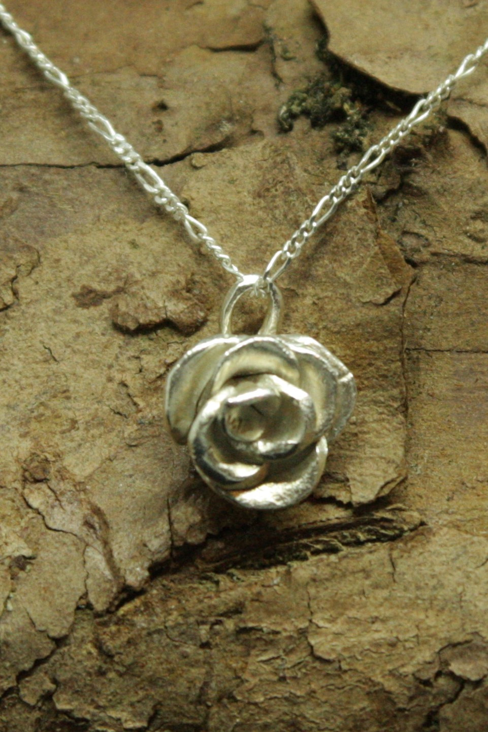 4288 - Silver rose