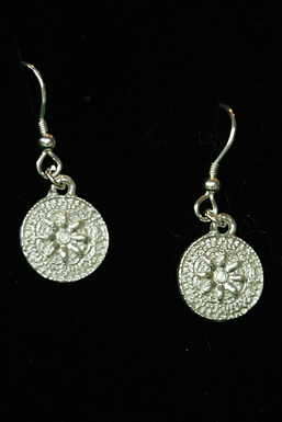 3579 - Dangly patterned earrings