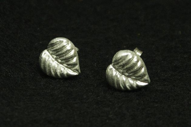 6459 = Teardrop shaped leaf studs