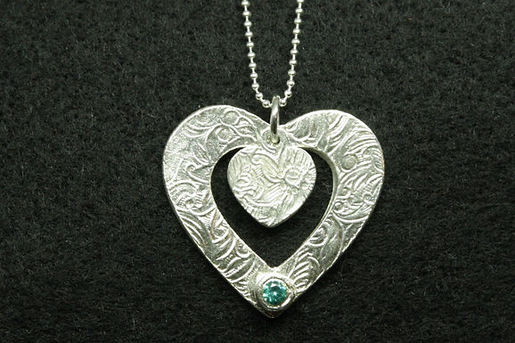 5138 - Large textured heart with mint stone - reversible