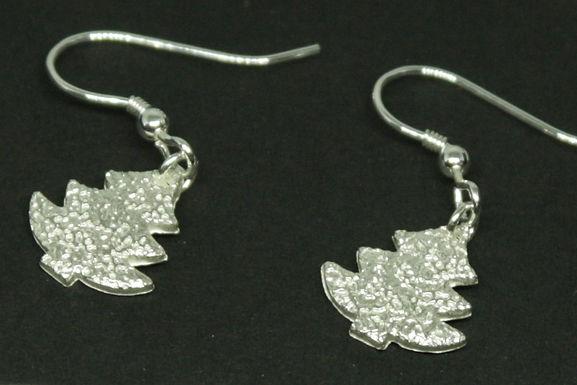 4531 - Dangly Christmas tree earrings