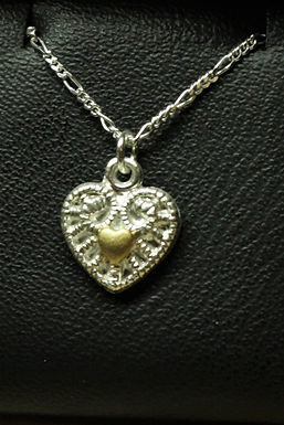 5112 - Small moulded heart with gold heart in centre