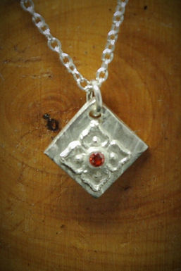 3994 - Small square with flower